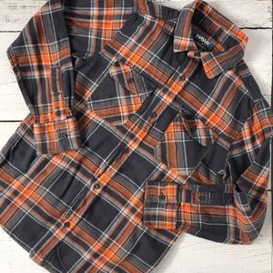 💥3/$25 Boys Tony Hawk Button Up Flannel Size M